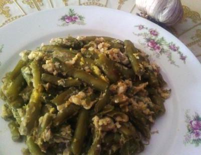 Haricots verts, oeufs,ail,cuisine kabyle,recette algérienne